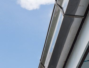 aluminum or vinyl gutters in tampa by ridge top exteriors